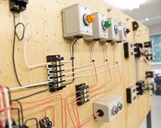 電気設備実習室