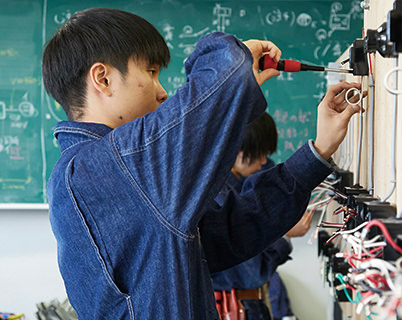電気設備エンジニアを目指す学生